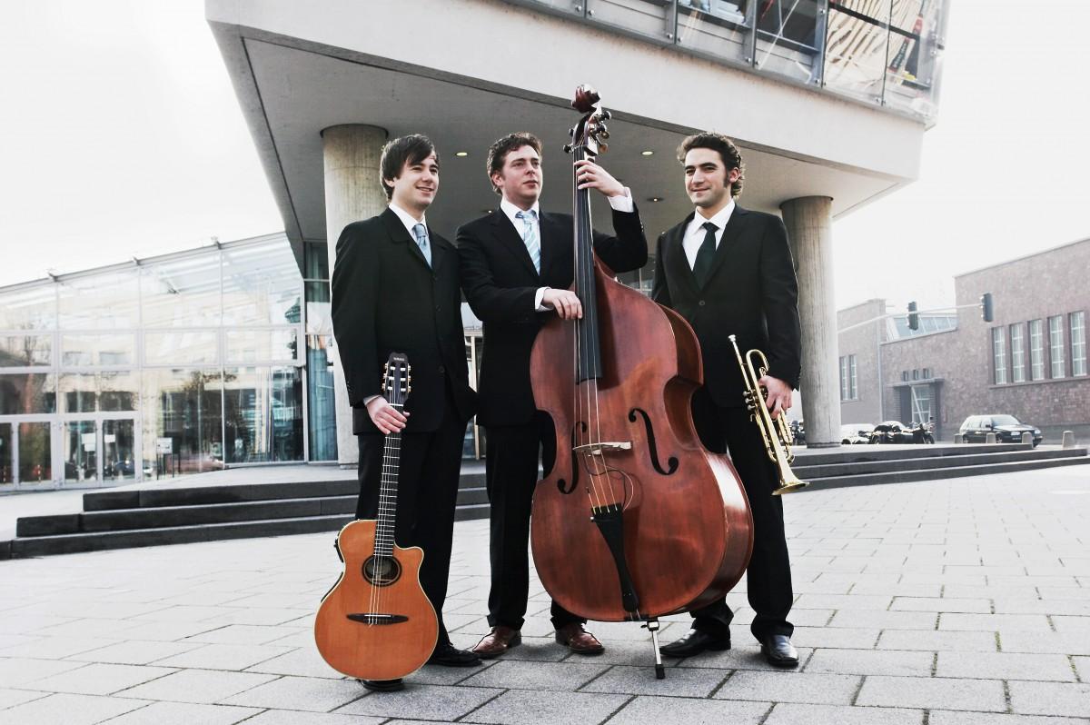 Hier finden Sie die Jazzband Trio Mayence.